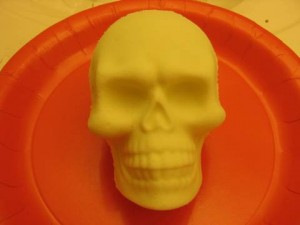 Glowing Skull Bath Bomb (in light)